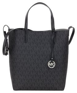 Michael Kors Tote in Black Signature/Silver