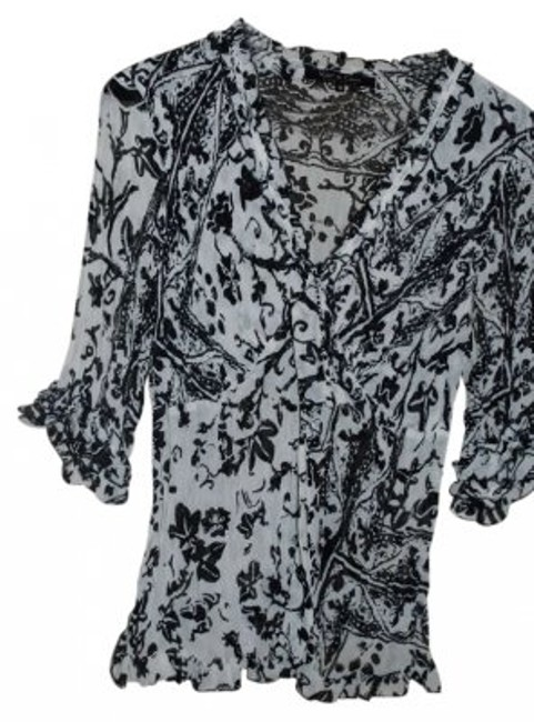 Preload https://item4.tradesy.com/images/violet-and-claire-black-white-34-inch-sleeve-crinkle-blouse-size-16-xl-plus-0x-171113-0-0.jpg?width=400&height=650