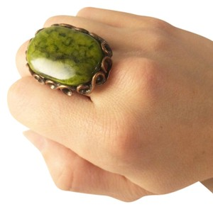 Vintage Beautiful Vintage Green Cocktail Ring