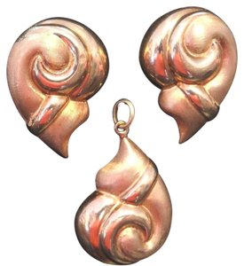 Set Vintage Bassani 14k Gold Conch Shell Earrings & Pendant