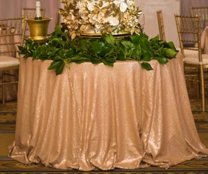 120 Inch Champagne Gold Sequin Tablecloth (lot Of 2)