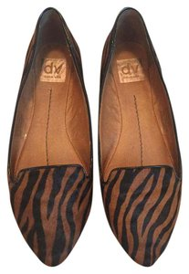 Dolce Vita Tan and black, animal print Flats