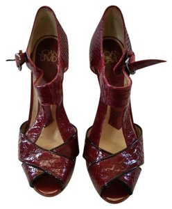 Joan & David burgandy Pumps