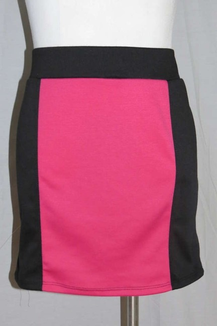 Preload https://item4.tradesy.com/images/luv-me-more-pinkblack-new-jr-stretch-miniskirt-size-26-plus-3x-171168-0-0.jpg?width=400&height=650