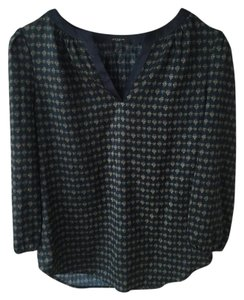 Ann Taylor Top navy and gold pattern