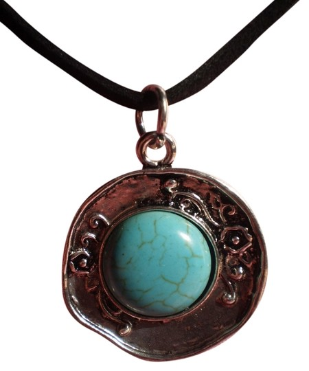 Preload https://item4.tradesy.com/images/new-faux-turquoise-silvertone-necklace-1711898-0-0.jpg?width=440&height=440