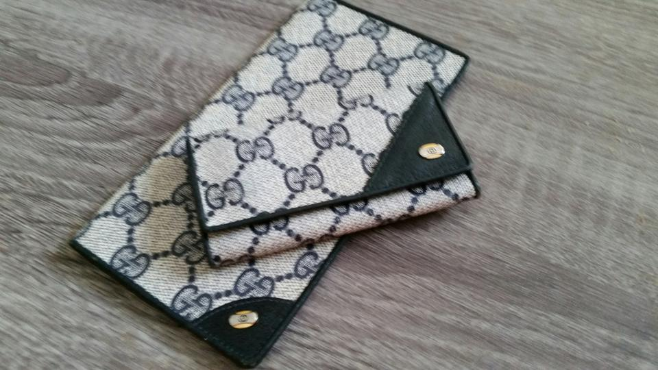 88dcee8c6a3a Gucci Unisex Vintage Gucci Navy Blue Key Case & Checkbook Cover Set Image 0  ...