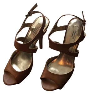 Vera Wang Open Toe High Heels Neutral Tan Brown Pumps