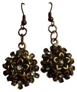 Other New Flowers w/Crystals Earrings