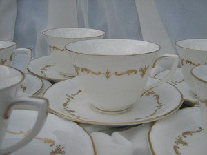 Wedding China Gold Chantilly Royal Worcester (6) Cups And Saucers Wavy England Fine Bone China