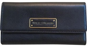 Marc by Marc Jacobs MBMJ 'Too Hot To Handle' Continental Wallet