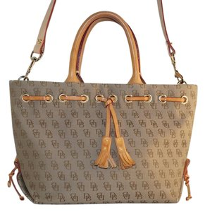 Dooney & Bourke Satchel in Brown Tan