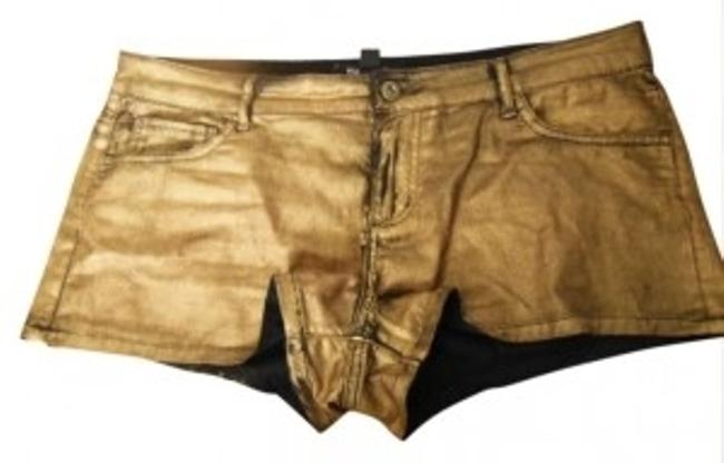 Item - Coated Gold Shorts Size 8 (M, 29, 30)