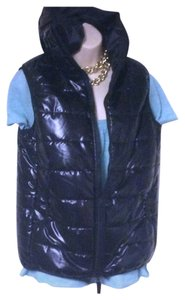 Preload https://item4.tradesy.com/images/sale-markdown-new-without-tags-black-puffer-juniors-xxl-vest-size-18-xl-plus-0x-1712228-0-0.jpg?width=400&height=650