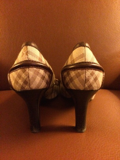 Burberry Tan Plaid Pumps
