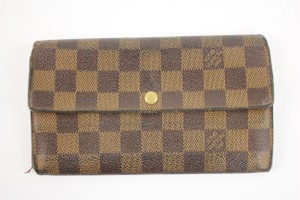Louis Vuitton Damier Sarah Wallet LVTY151