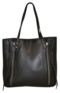 Possé Juliana Lightweight Elegant Usa Tote in Black