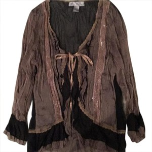 Young Essence Top Brown