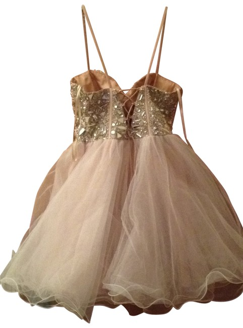 Preload https://img-static.tradesy.com/item/171284/dave-and-johnny-nude-formal-dress-size-2-xs-0-0-650-650.jpg