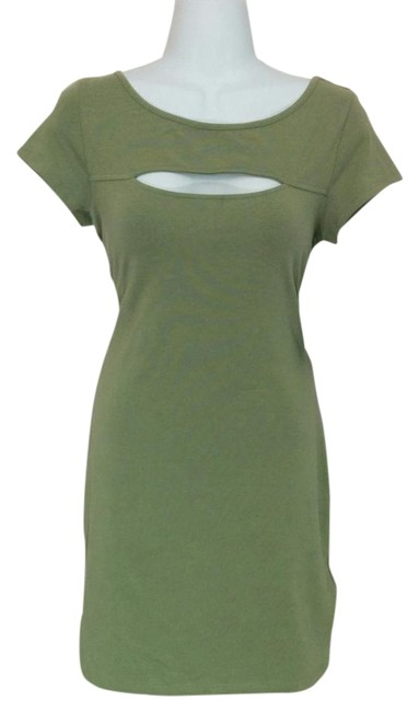 Preload https://item4.tradesy.com/images/guess-green-above-knee-short-casual-dress-size-petite-12-l-1712983-0-2.jpg?width=400&height=650
