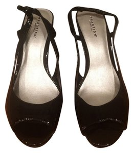 Kenneth Cole Reaction Peep Toe Slingback Black Pumps