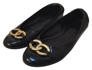 Anne Klein Patent Leather Chain Classic Black Flats