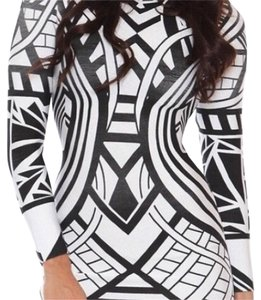 Missguided short dress Black and white on Tradesy