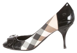 Burberry Patent Leather Round Toe Black, Beige Pumps