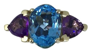STUNNING OVAL SHAPE STARBURST CUT BLUE TOPAZ RING 3.5 CT. 2 CT AMETHYST IN THREE-STONE SETTING 14KT GOLD