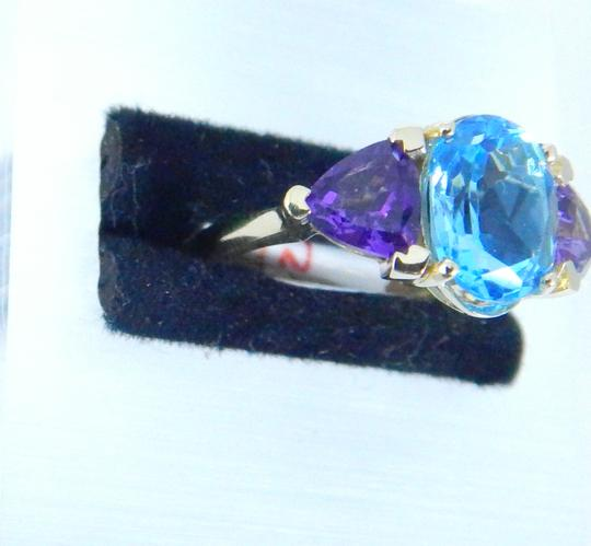 Other STUNNING OVAL SHAPE STARBURST CUT BLUE TOPAZ RING 3.5 CT. 2 CT AMETHYST IN THREE-STONE SETTING 14KT GOLD Image 2