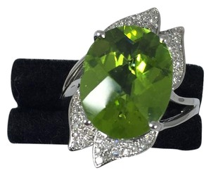 Other APPEALING OVAL SHAPE STARBURST CUT PERIDOT RING 7.5 CT. 0.5 (TOTAL)DIAMOND IN SHANK/SPLIT-SHANK 14KT WHITE GOLD