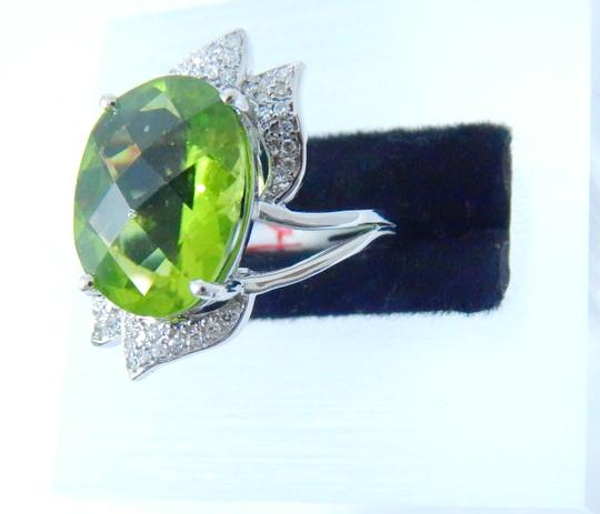 Other APPEALING OVAL SHAPE STARBURST CUT PERIDOT RING 7.5 CT. 0.5 (TOTAL)DIAMOND IN SHANK/SPLIT-SHANK 14KT WHITE GOLD Image 4