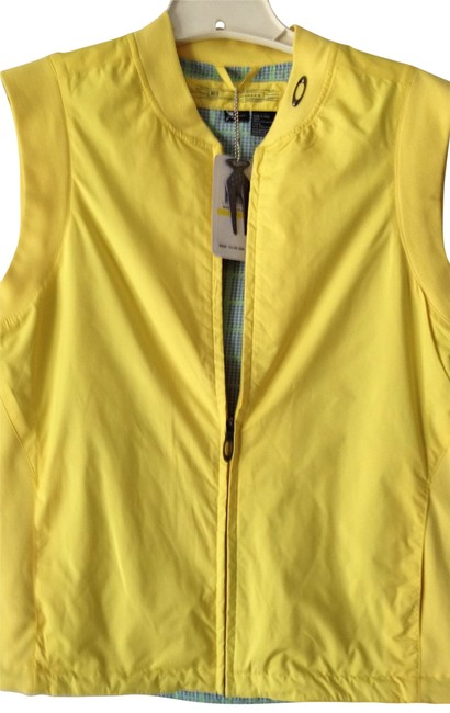 Preload https://item2.tradesy.com/images/oakley-golf-vest-in-yellow-activewear-size-8-m-29-30-171446-0-0.jpg?width=400&height=650