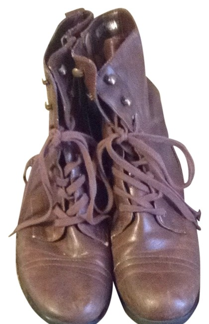 Item - Brown Lace Boots/Booties Size US 9