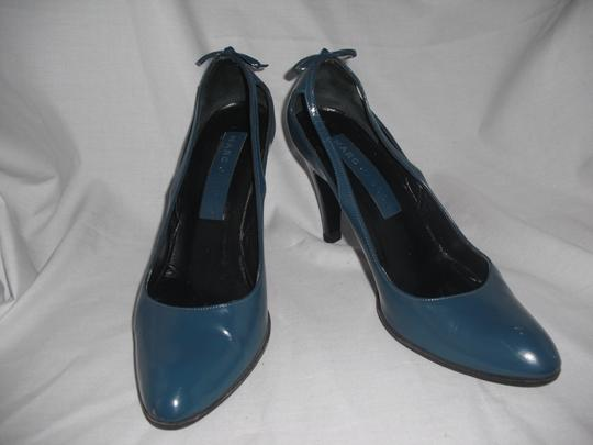 Marc Jacobs Patent Leather Blue Pumps Image 4