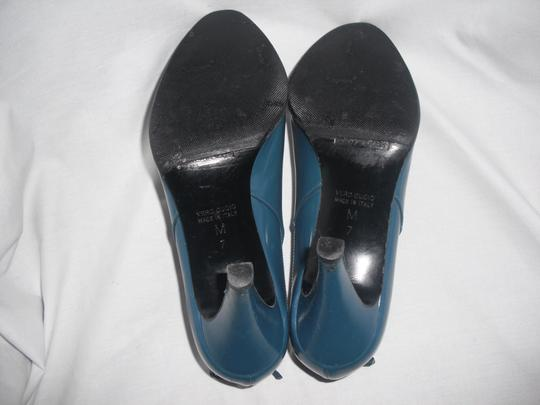 Marc Jacobs Patent Leather Blue Pumps Image 6