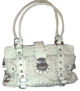 Guess Tote in Ivory