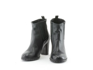 Penelope & Coco And Black Boots