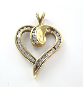14K YELLOW GOLD 13 DIAMONDS .30 CARAT HEART LOVE VALENTINES PENDANT 3.1 GRAMS