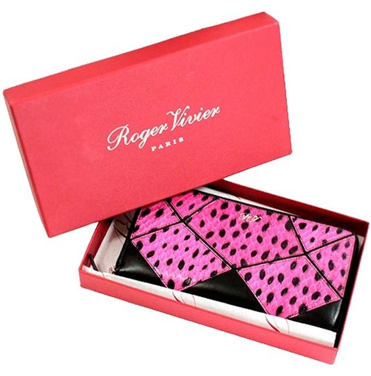 Preload https://item2.tradesy.com/images/roger-vivier-pink-black-leather-and-dots-snakeskin-zip-around-prismick-wallet-1715896-0-0.jpg?width=440&height=440