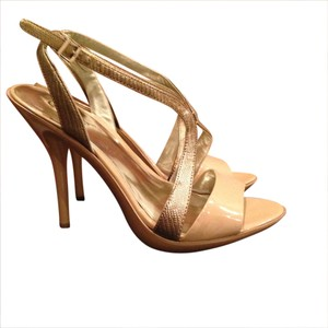 Carlos by Carlos Santana nude/gold Pumps
