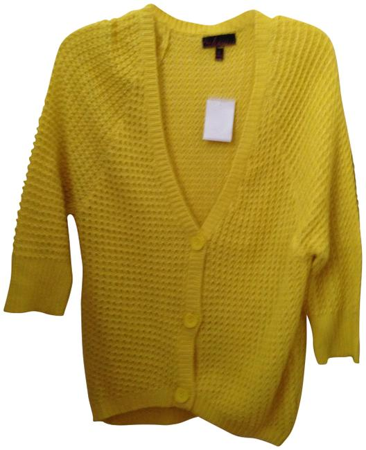 Preload https://img-static.tradesy.com/item/171620/takeout-yellow-sweaterpullover-size-6-s-0-0-650-650.jpg