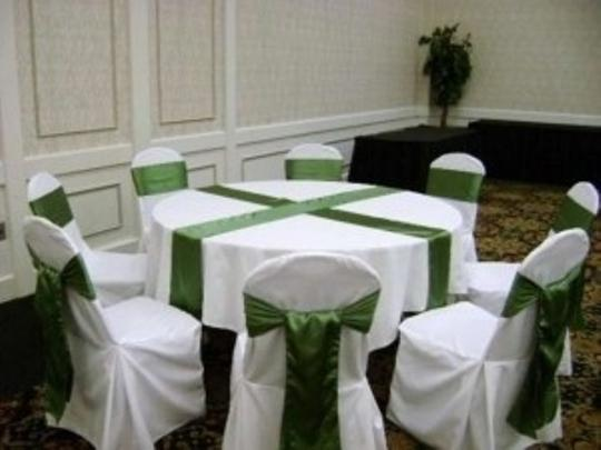 Clover Green Table Runners Reception Decoration