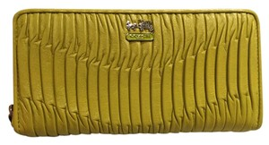 Coach Madison Gathered Leather Accordion Zippy Wallet 46481 in Kiwi