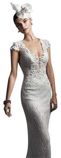 Preload https://img-static.tradesy.com/item/17169967/ivory-feminine-wedding-dress-size-10-m-0-3-540-540.jpg