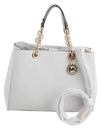 Preload https://img-static.tradesy.com/item/17170696/michael-kors-cynthia-saffiano-satchel-optic-white-leather-shoulder-bag-0-1-540-540.jpg