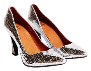 kobe husk Disco Cracked Leather Unique silver Pumps