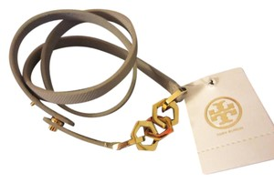 Tory Burch Tory Burch Thin Wrap Bracelet Grey with gold colored accents