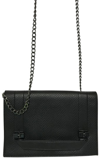 Preload https://img-static.tradesy.com/item/17177455/danielle-nicole-messenger-and-cross-body-bag-0-3-540-540.jpg
