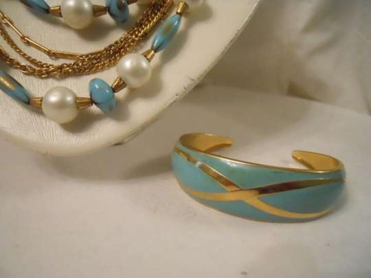 unknown Vintage necklace with earrings & bracelet